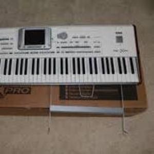 Yamaha MOTIF XS8 88-Key Synthesizer .............€1, 300 EUR