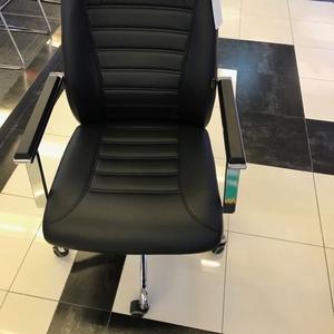 Продаю  офисные стулья