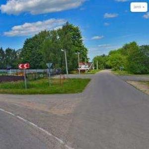Продам земельный участок 13 соток в д. Новинки на берегу озера