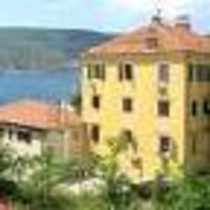 Срочно продаю 2 путевки в Черногорье.